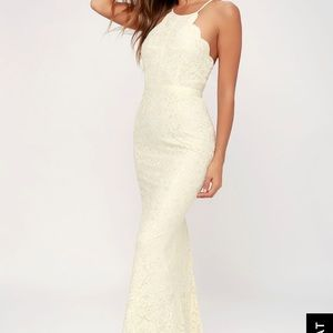 Dresses & Skirts - Ivory lace dress